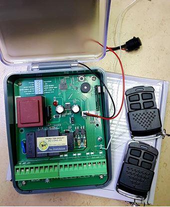 Picture of Bộ điều khiển từ xa dùng cho cửa cổng tự động
